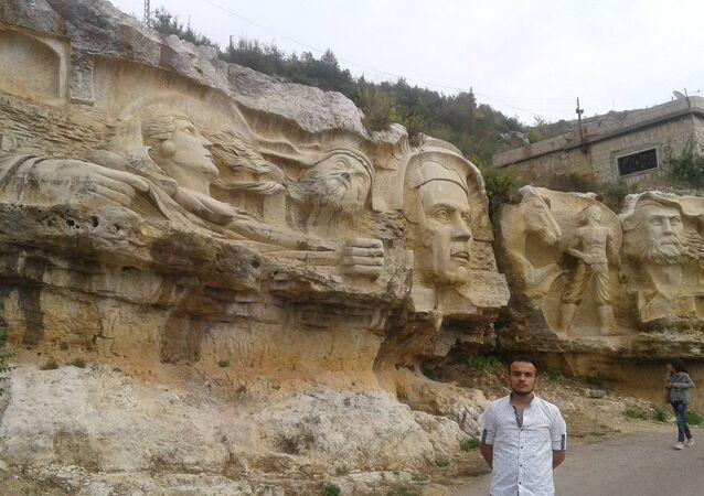 Syrian sculptor Alaa Ali Muhammed