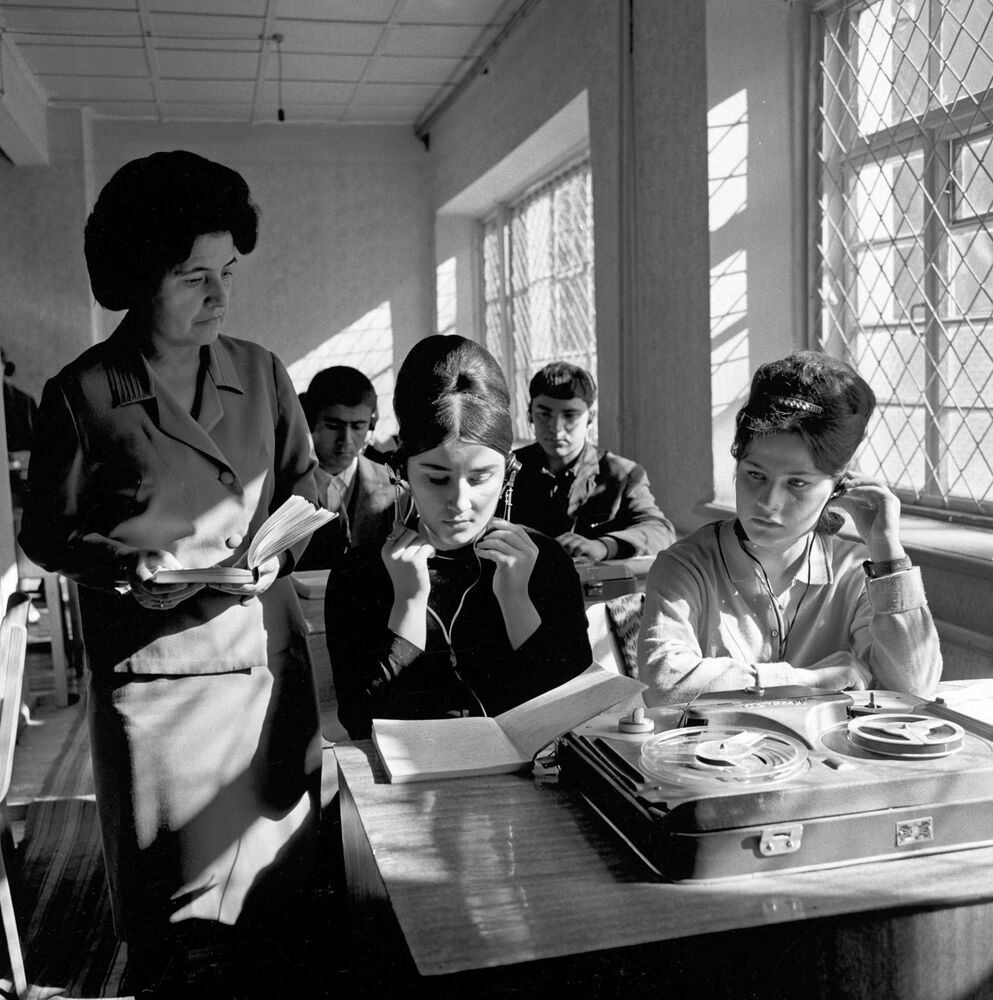 Past and Present: Life of Students in the Soviet Union and Russia