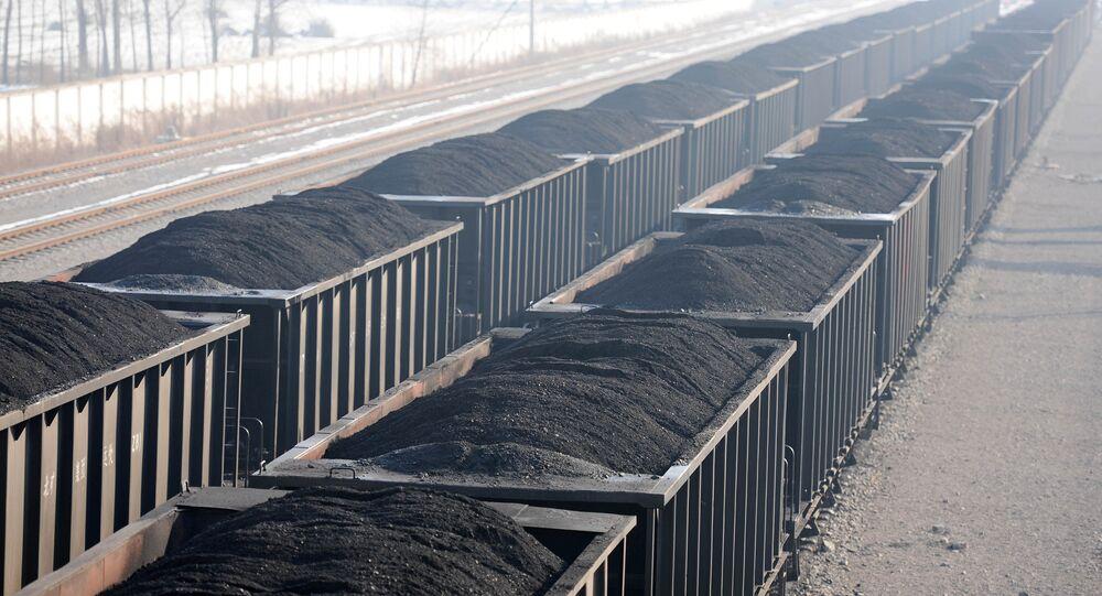 gondola railcars loaded with coal