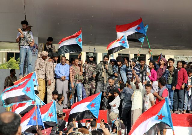 Supporters of southern Yemeni separatists take part in an anti-government protest in Aden, Yemen January 28, 2018