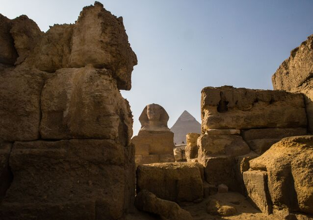 Land of the Pharaohs: Splendors and Wondrous Sights of Cairo