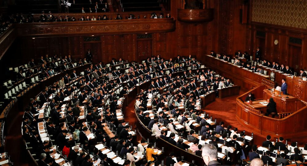 Japan's Prime Minister Shinzo Abe makes a speech at an opening of a new session of parliament in Tokyo, Japan January 22, 2018