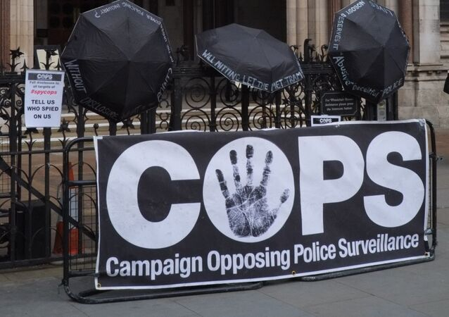 COPS Campaign Stall Outside Royal Court of Justice, London © Sputnik 2018