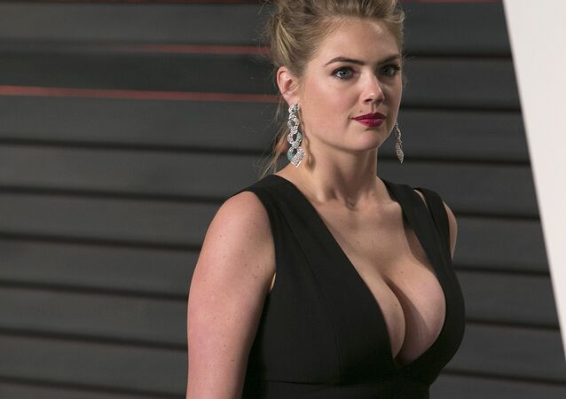 US model Kate Upton poses as she arrives to the 2016 Vanity Fair Oscar Party in Beverly Hills, California on February 28, 2016