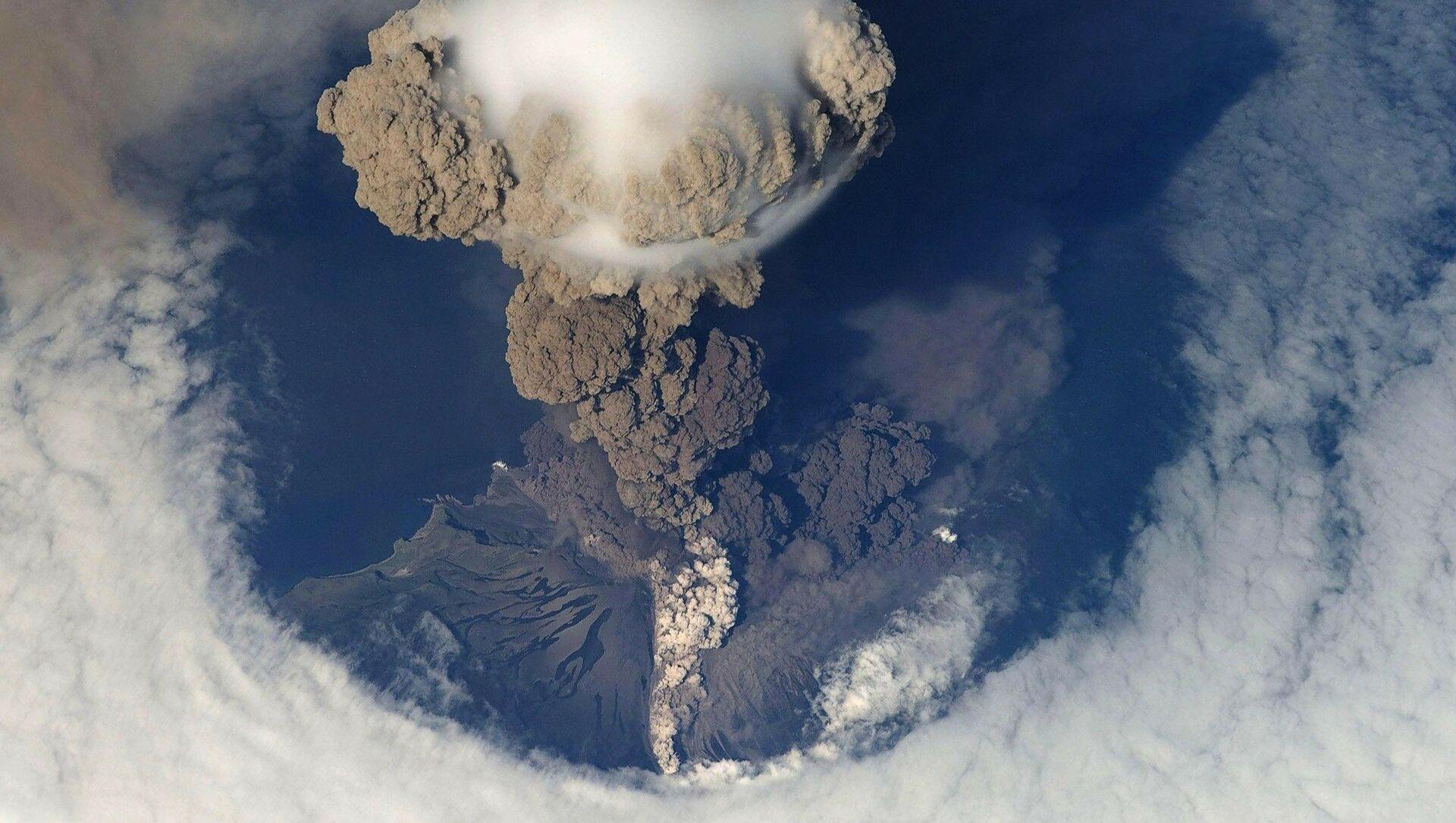 Volcanic eruption - Sputnik International, 1920, 28.07.2021