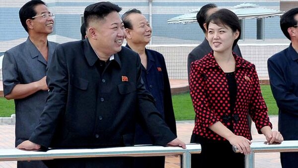 North Korean leader Kim Jong Un, front left, accompanied by his wife Ri Sol Ju, front right, inspects the Rungna People's Pleasure Ground in Pyongyang. (File) - Sputnik International
