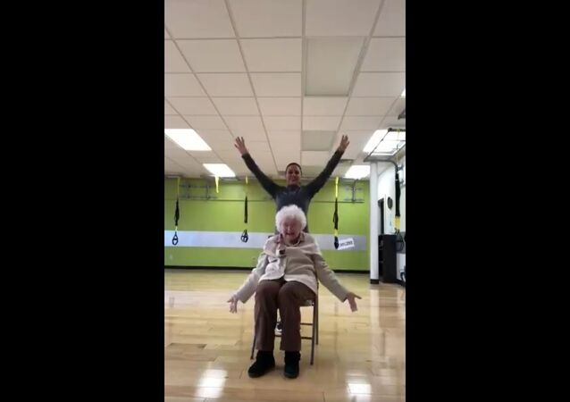 My mom trains this 93 year old and it's the cutest thing ever