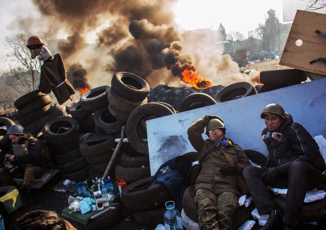 Radical opposition supporters on a barricade on Institutskaya Street in Kiev. (File)
