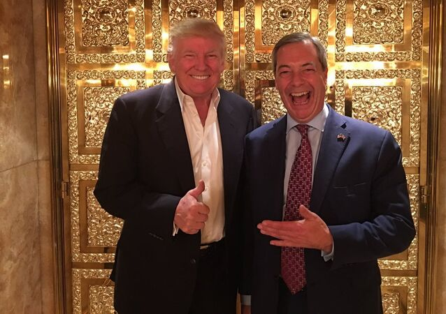 Nigel Farage (R) and Donald Trump