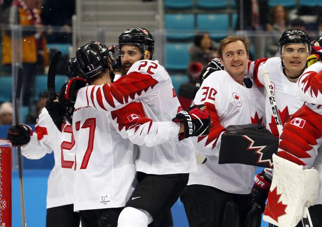 Ice Hockey - Pyeongchang 2018 Winter Olympics - Man's Bronze Medal Match - Czech Republic v Canada - Gangneung Hockey Centre, Gangneung, South Korea - February 24, 2018 - Canada's players celebrate victory