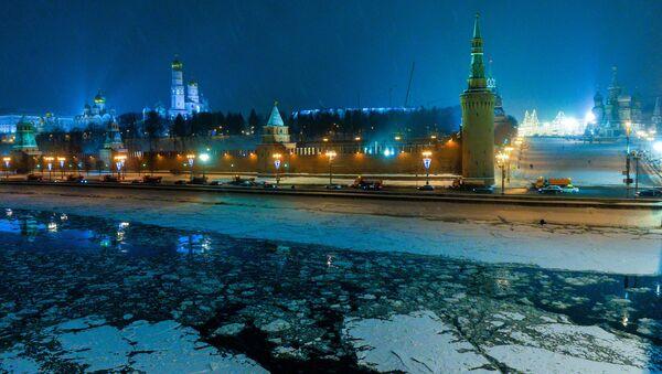 View of the Moscow Kremlin from the Bolshoy Moskvoretsky bridge. - Sputnik International
