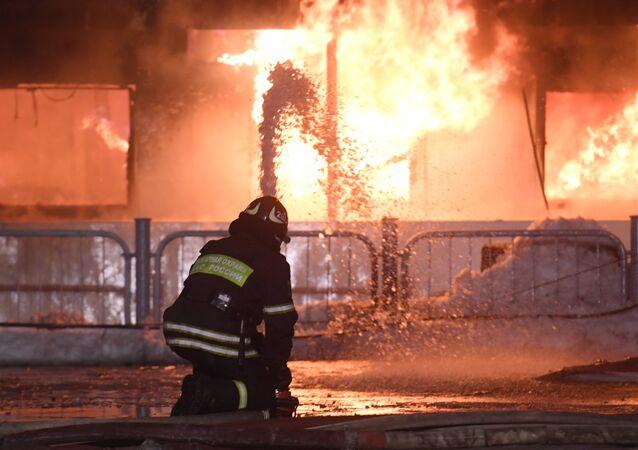 Пожар на прогулочном теплоходе в Москве