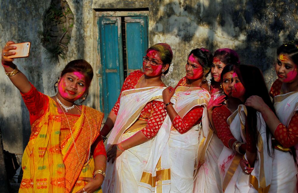 Holi, The Riotous Hindu Spring Festival of Color in Pictures