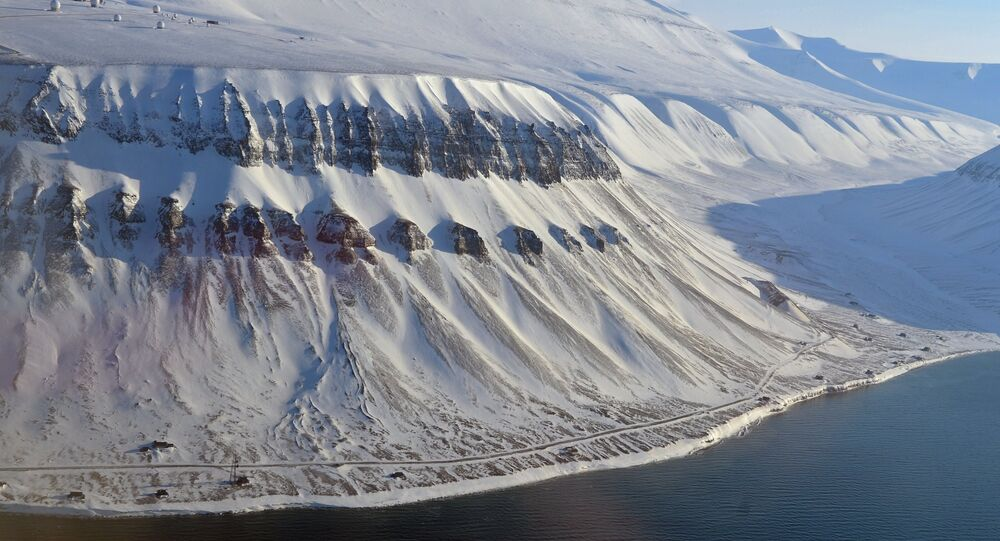 A view of the snowy peaks of the Spitsbergen (Svalbard) archipelago
