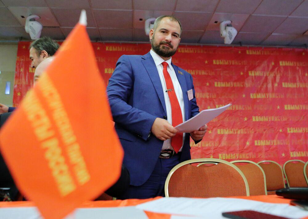 Maxim Suraykin: Forward, Into the Glorious Soviet Past