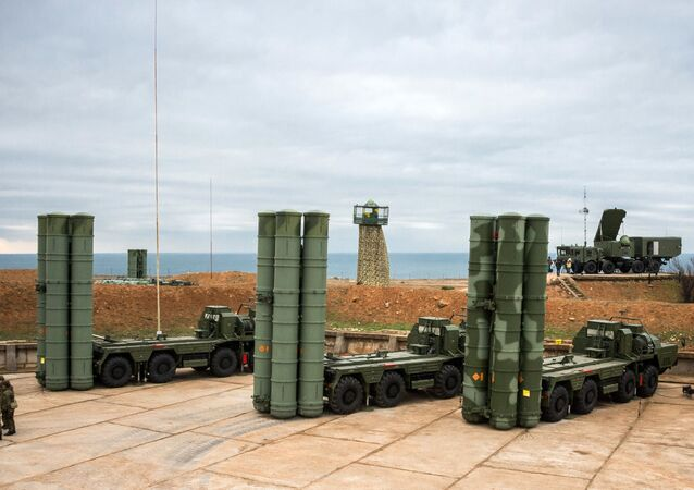 The S-400 Triumf anti-air missile system enters service in Sevastopol to protect Russian air borders