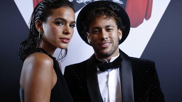 Brazilian footballer Neymar Jr. has celebrated his 26th birthday in style with girlfriend Bruna Marquezine and alongside compatriots Gabriel Jesus and Ronaldo at the lavish Pavillon Cambon in Paris - Sputnik International