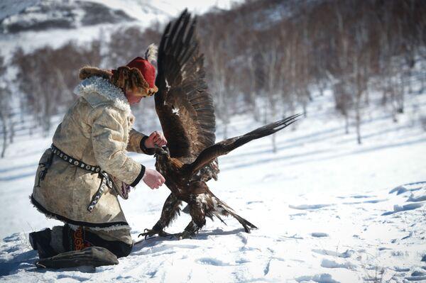 Mongolian Spring Golden Eagle Festival in Pictures - Sputnik International