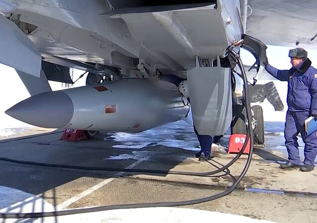 The crew of the Russian Aerospace Forces MiG-31 have conducted simulated firing of Kinzhal hypersonic aeroballistic missile with a small radar signature and high maneuverability