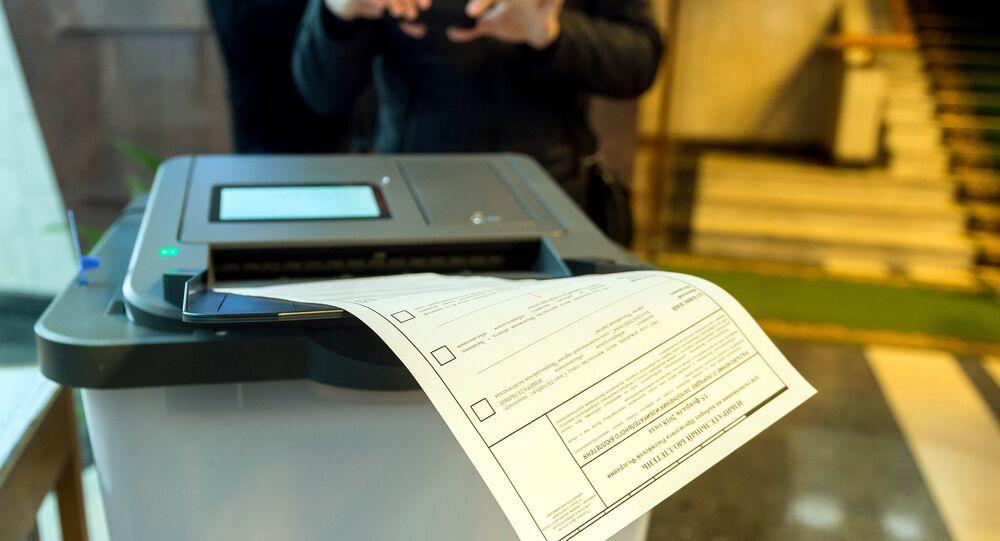 The Crimean Election Commission presents the ballot paper processing complex in Simferopol.