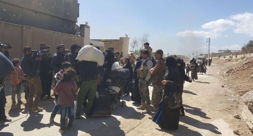 Residents leave the territory of Eastern Ghouta