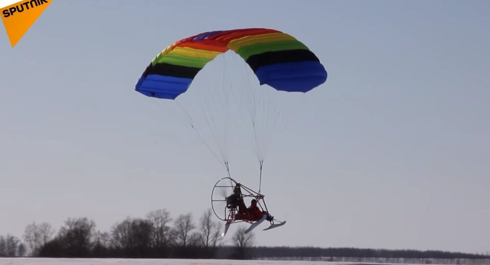Voter Flew to Polling Station on Hang Glider in Nizhny Novgorod Region