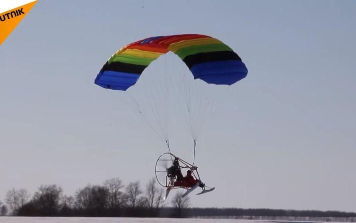 Voter Flew to Polling Station on Hang Glider in Nizhny Novgorod Region