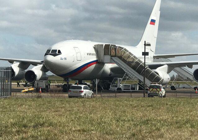 Британское правительство выслало российских дипломатов из страны