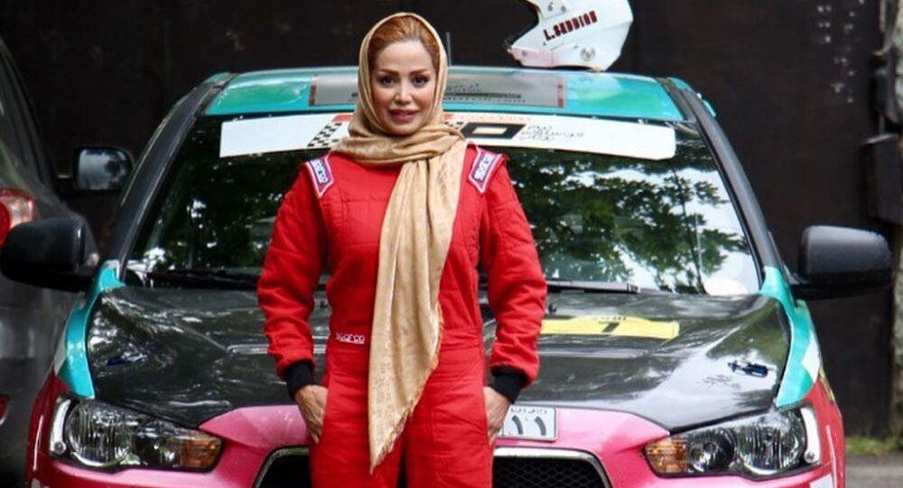 Иранская автогонщица Laleh Seddigh