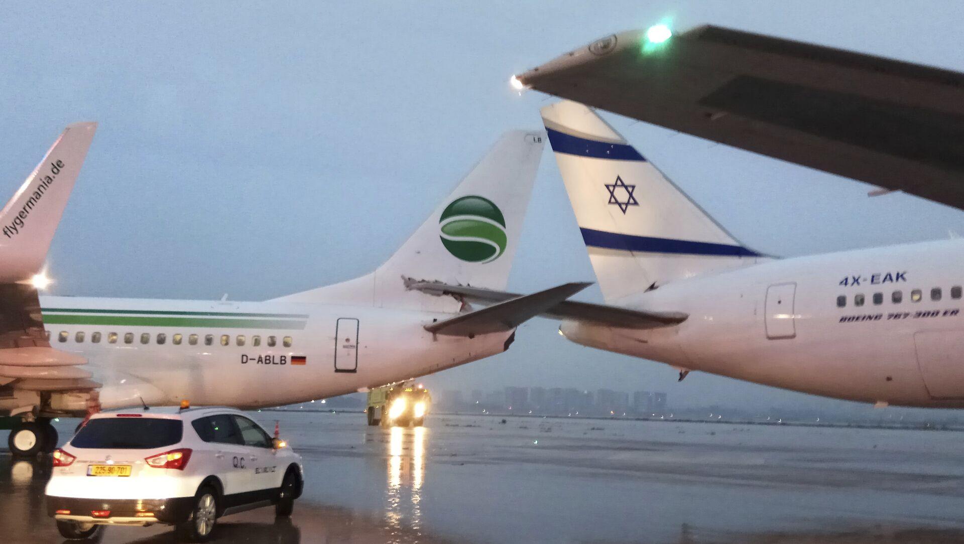 Airplanes are seen at the Ben Gurion airport near Tel Aviv, Israel, Wednesday, March 28, 2018 - Sputnik International, 1920, 25.07.2021