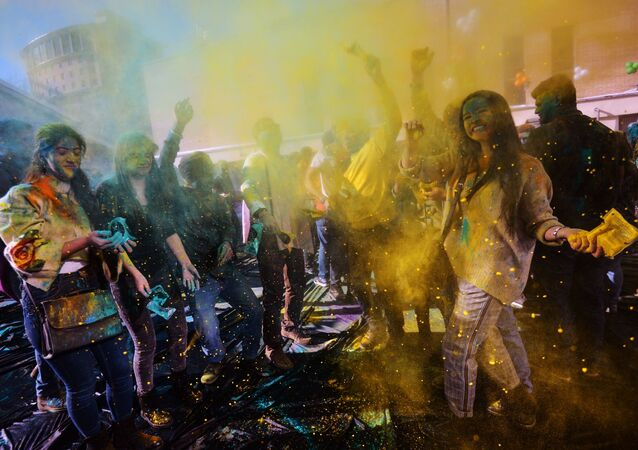 Participants in the Holi Mela Festival of Colours held at the Indian Culture Center in Moscow