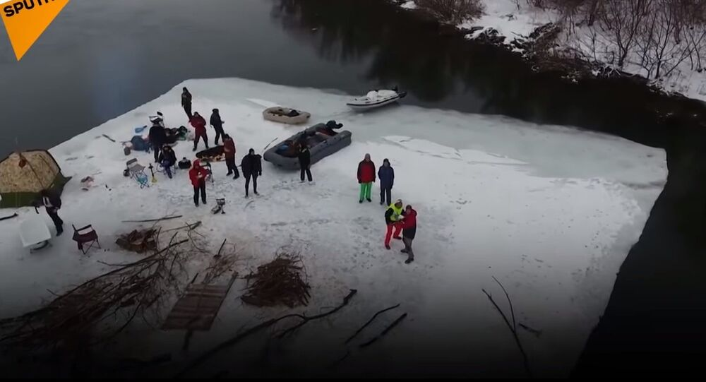 Daredevils Paddle Down Don River On Ice Floe