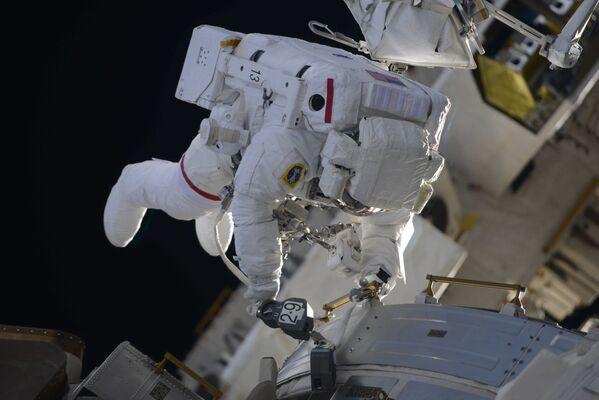 Awaited Spacewalk by NASA Team - Sputnik International
