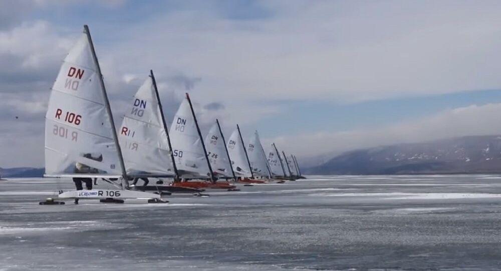 Adrenaline Junkies Zoom Around in 100km/h Ice-Sailing Race on Lake Baikal