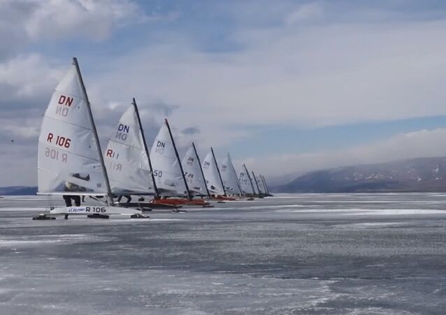 Adrenaline Junkies Zoom Around in 100km/h Ice-Sailing Race on Lake Baikal