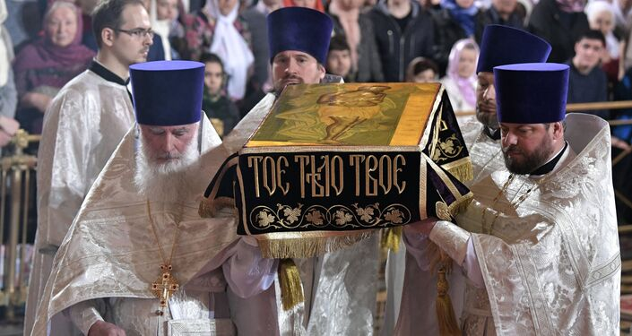 Festive Easter service in Moscow.