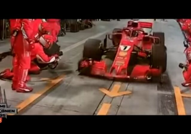 Kimi Räikkönen Überfährt sein Mechaniker - Bein gebrochen 08.04.2018