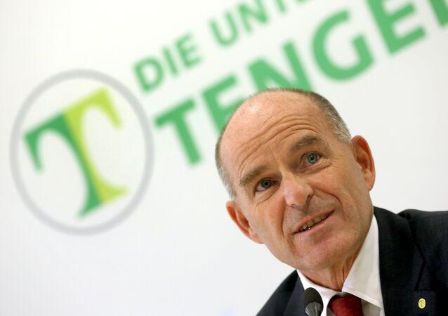 Karl-Erivan Haub, billionaire chief of Germany's sprawling Tengelmann retail group, during a press conference in Muelheim an der Ruhr, western Germany. (File)