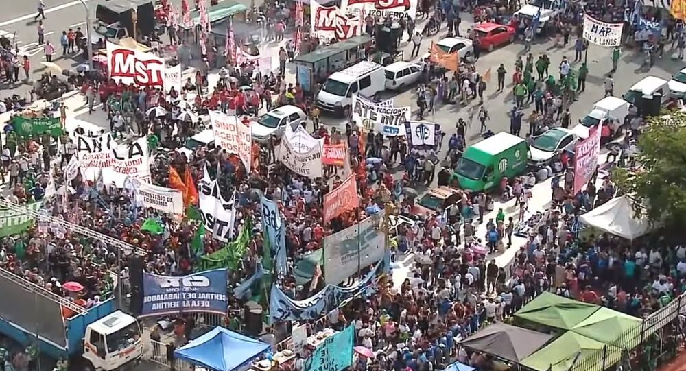 Argentina: Public-Sector Unions Strike Against Macri's 15% Pay Ceiling
