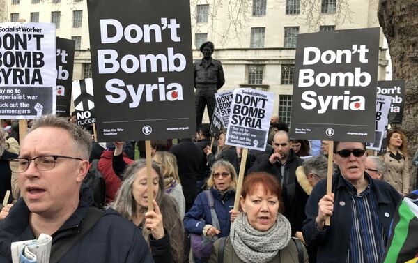 Protest against Britain and the US launching military strikes in Syria - Sputnik International