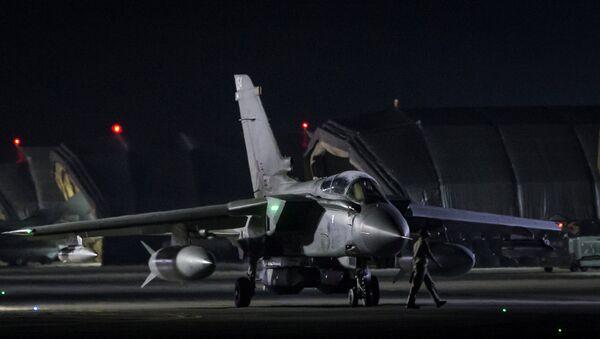 An RAF Tornado taxis to the threshold before taking-off, in Akrotiri, Cyprus April 14, 2018 - Sputnik International