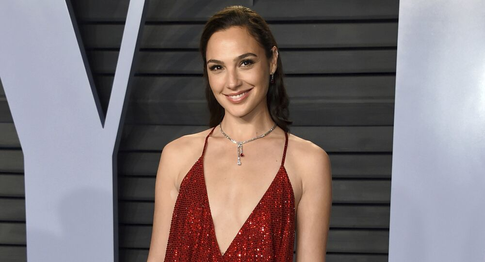 Gal Gadot arrives at the Vanity Fair Oscar Party on Sunday, 4 March 2018, in Beverly Hills, California.