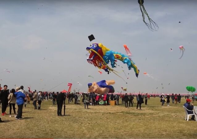 China: 10,000 kites fly high in breezy Weifang festival