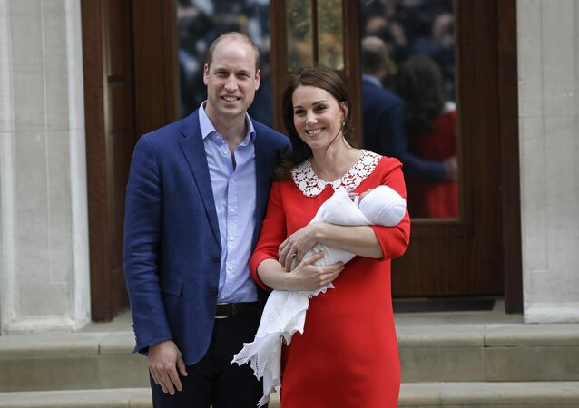 ritain's Prince William and Kate, Duchess of Cambridge pose for a photo with their newborn baby son as they leave the Lindo wing at St Mary's Hospital in London London, Monday, April 23, 2018