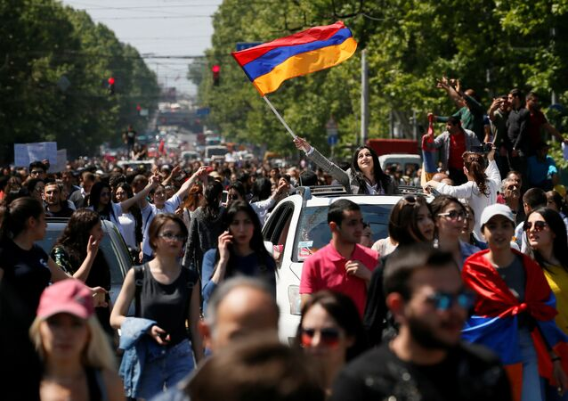 Supporters of Armenian opposition leader Nikol Pashinyan stage a rally in Yerevan, Armenia April 25, 2018