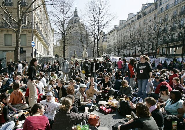 High school students protesting against the government's new youth jobs law, spend the afternoon disrupting traffic outside the Sorbonne University, Paris, France (File)