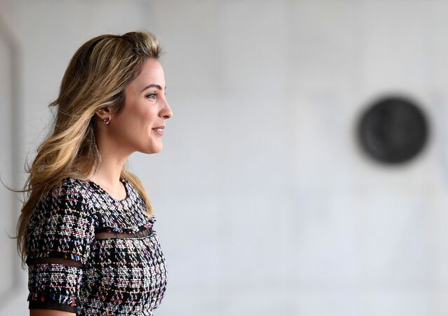 Brazil's First Lady Marcela Temer waits for the arrival of Sweden's King Carl XVI Gustaf and Queen Silvia at Itamaraty Palace in Brasilia, on April 6, 2017