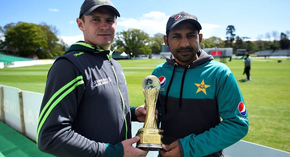 Ireland cricket captain William Porterfield and Pakistan's Sarfraz Ahmed before Friday's Test match