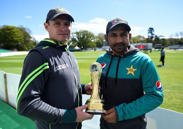 Ireland cricket captain William Porterfield and Pakistan's Sarfraz Ahmed before Friday's Test match