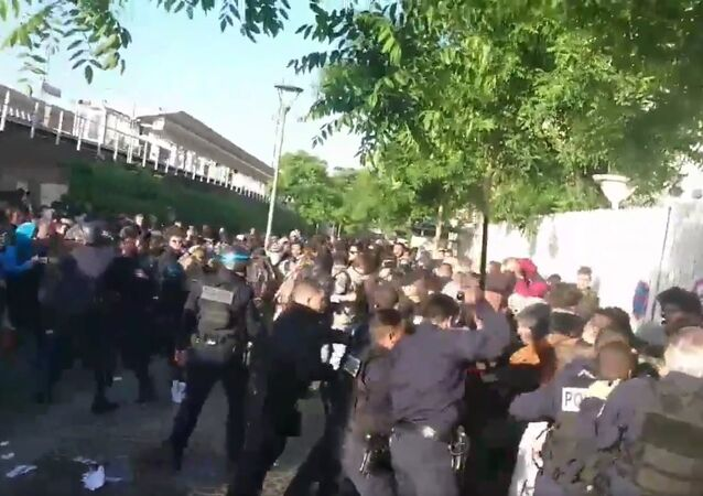 Students Sabotage Exams in France in Protest of Education Reform